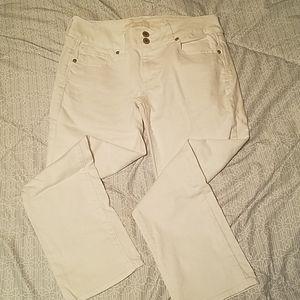 White jean capris